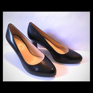 Cole Haan 9.5 Black leather heeled shoes